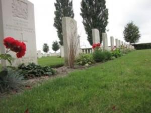 Een van de vele oorlogsbegraafplaatsen in de Westhoek