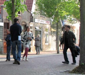 Markoesa Hamer tijdens de opnames voor Dokter Deen op Vlieland
